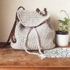 Рюкзак связанный из трикотажной пряжи