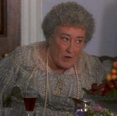 Elizabeth Spriggs, Mrs. Jennings - Sense and Sensibility (1995) #janeausten #anglee