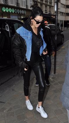 Kendall Jenner' in PAnts – Theperfext Purse – Prada Shoes – Adidas Sunglasses – Balenciaga Jacket -Unravel Jewelry – Jennifer Fisher Kendall Jenner Outfits Casual, Kendall Jenner Style, Star Fashion, Look Fashion, Fashion Outfits, Fashion Women, Le Style Du Jenner, Best Leather Jackets, University Outfit
