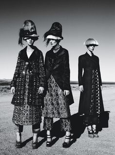Fierce Creatures W Magazine August 2012 Model Suzanna Bijoch, Magda Laguinge and Meghan Collison Photographer Patrick Demarchelier. Foto Fashion, Fashion Shoot, New Fashion, Editorial Fashion, Fashion Models, Autumn Fashion, Travel Fashion, Style Fashion, Patrick Demarchelier