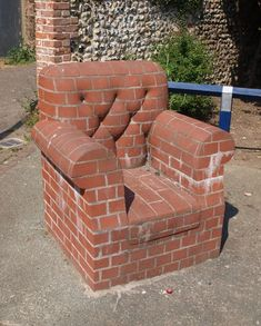 This chair made out of bricks Furniture Making, Garden Furniture, Furniture Design, Brick Art, Brick Architecture, House Front Design, Brick Design, Diy Sofa, Outdoor Chairs