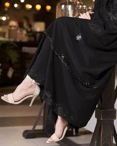 Niqab Fashion, Muslim Fashion, Work Fashion, Couture Fashion, Fashion Outfits, New Abaya Design, Abaya Designs, Burqa Designs, Abaya Pattern