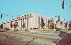Postcard of Public Library, Fort Wayne Indiana