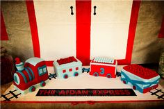 What a cute train cake from Styled By Belle featured on Amy Atlas's Blog.