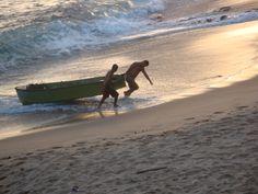 O fim da tarde e os pescadores. Rio Vermelho-Salvador/Bahia/Brasil