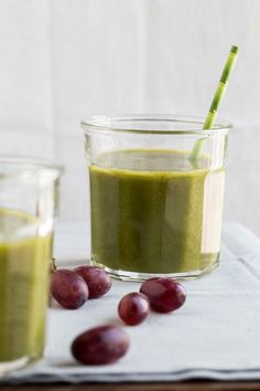 Grape Mango Kale Smoothie by Jelly Toast