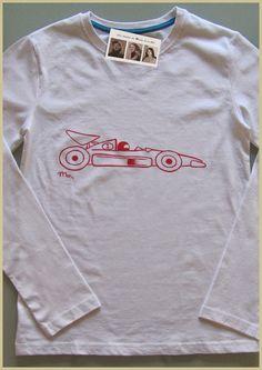 Sobre ruedas... Ya casi alcanzamos la recta final de la semana a toda velocidad como ésta camiseta personalizada que se fué directa a Jaén