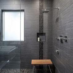 Fotos de cuartos de baño   Diseños de cuartos de baño   Large Tiled Shower