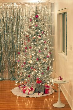 Trees, Christmas trees and Art deco on Pinterest