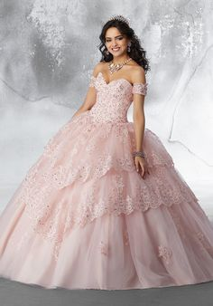 Beaded Lace Appliqués on a Lace-Edged, Tiered Tulle Ballgown with Detachable Sleeves Glamorous Quinceañera Dress Featuring a Feminine Sweetheart Neckline. Beaded Lace Appliqués Trim the Tiered Skirt. Detachable Sleeves and Matching Stole Included. Quince Dresses, 15 Dresses, Pretty Dresses, Fashion Dresses, Wedding Dresses, Pageant Dresses, Turquoise Quinceanera Dresses, Pretty Quinceanera Dresses, Quinceanera Ideas