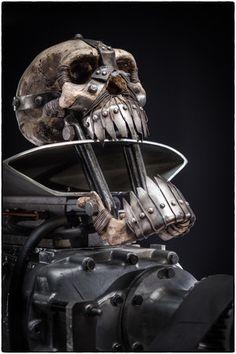 映画『マッドマックス 怒りのデス・ロード』に登場した改造車の美しく世紀末な写真集 42