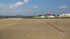 EE.UU.: Un avión con 4 pasajeros se sale de pista al aterrizar en un aeropuerto de Charleston