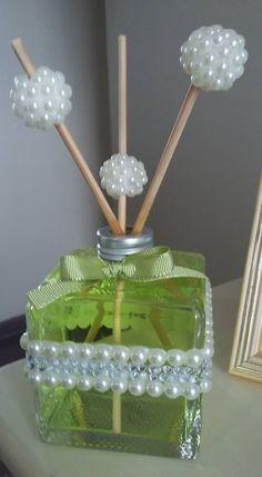 Vidro de difusor de ambiente customizado com pérolas e strass