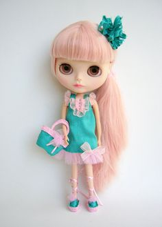 Nice outfit for custom blythe doll by GarlenaShop on Etsy, $75.00