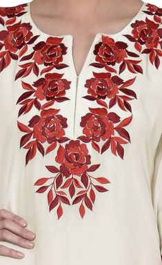 Embroidery On Kurtis, Hand Embroidery Dress, Kurti Embroidery Design, Embroidery Neck Designs, Embroidery On Clothes, Simple Embroidery, Embroidered Clothes, Embroidery Fashion, Indian Embroidery