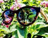 Modelo Bora Bora, combinación de ébano en el frontal y zebrano en las varillas. Cristales polarizados grises. Bora Bora model. Combination of our classic woods ebony and zebrawood. Polarized grey lenses.   www.moler.es