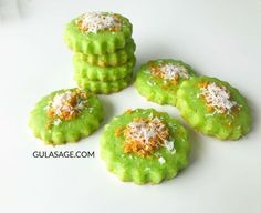 Learn what are Chinese Food Dessert Biscuit Cookies, No Bake Cookies, Cake Cookies, Chinese New Year Cookies, Chinese New Year Food, Resepi Cookies, Cookie Recipes, Dessert Recipes, Lebanese Recipes
