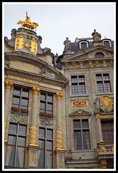 Détail of two Corporation houses of the Grand-markt ,Brussels (here the house of Brewers and the Swan).By Fred Hendrickx