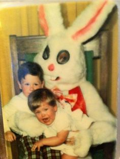 The Funniest -- and Most Awkward -- Easter Photo-Ops Gone Wrong! I'd be trying to get away, too!