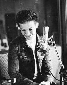 Louis!!!!!!!!!! Your sooooo cute!