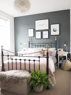 Neat Bedroom decor idea with metal bed frame with grey feature wall and dusky pink accents. The post Bedroom decor idea with metal bed frame with grey feature wall and dusky pink accents. appeared first on Interior Designs . Gray Bedroom, Home Decor Bedroom, Spare Bedroom Ideas Grey, Bedroom Inspo Grey, Grey Bedroom Design, Bedroom Frames, Bedroom 2018, Bedding Decor, Bedding Sets