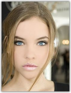 Makeup Tips for Blue Eyes.