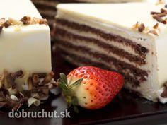 Biela čokoládová torta.