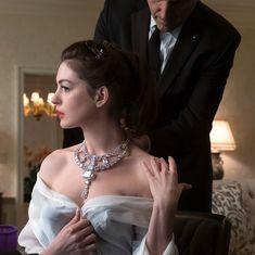 Anne Hathaway in Ocean's 8 Anne Hathaway, Ocean 8 Movie, Love Couture, Foto Jimin, Portraits, Classic Chic, Sandra Bullock, Julie Andrews, Wedding Bride