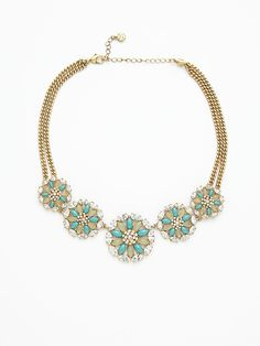 Love the colors and the flowers on this cute statement necklace