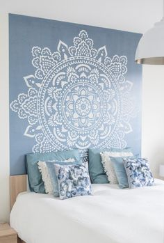 "Size: 184x184cm, 73"" How to make a mandala using the Mandala Stencil: ITS SO EASY AND FUN!What you'll need:roller (foam roller not the hairy one)latex wall pain"
