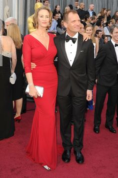 Janet McTeer arrives at the 84th Annual Academy Awards (Red Carpet 26.02.12) - 2 HQ pictures  #JanetMcTeer