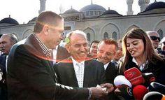 """Ο Ερντογάν έδωσε 100 ευρώ """"χαρτζιλίκι"""" σε δημοσιογράφο"""