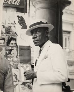 Saw this at the Getty Cuba exhibit.  Walker Evans - Citizen in Downtown Havana, 1933. @designerwallace