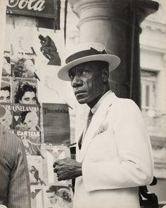 Saw this at the Getty Cuba exhibit.  Walker Evans - Citizen in Downtown Havana, 1933. @designerwallace