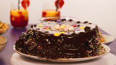 Fouzias sjokoladekake – NRK Mat – Oppskrifter og inspirasjon Beef Wellington, Pavlova, Bakery, Sweets, Chocolate, Desserts, Food, Tailgate Desserts, Deserts
