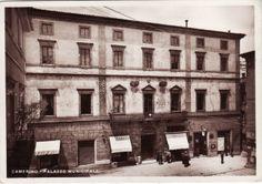 Camerino, corso Vittorio Emanuele II, l'entrata del municipio, 1920-1930 circa.