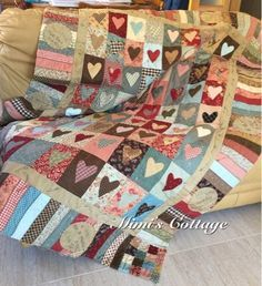 This unique half square triangle quilts is definitely a very inspiring and very good idea Lone Star Quilt Pattern, Heart Quilt Pattern, Star Quilt Patterns, Patch Quilt, Applique Quilts, Quilt Blocks, Scrappy Quilts, Baby Quilts, Colchas Country