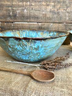 MADE TO ORDER ~ Native Mandala serveren Bowl ~ Chips ~ salade ~ Pasta ~ Popcorn ~ Boho ~ Boho ~ rustieke handgemaakt in Vermont Hand Built Pottery, Slab Pottery, Pottery Mugs, Pottery Bowls, Ceramic Pottery, Porcelain Clay, Ceramic Clay, Slab Roller, Slab Ceramics