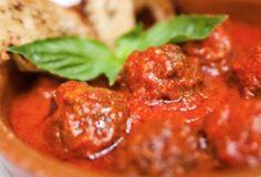 Echte gehaktballetjes in tomatensaus maak je toch zelf?