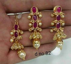 Diamond Chandelier Earrings, Gold Jhumka Earrings, Gold Earrings Designs, Jewelry Model, India Jewelry, Small Earrings, Simple Jewelry, Jewelry Patterns, Wedding Jewelry