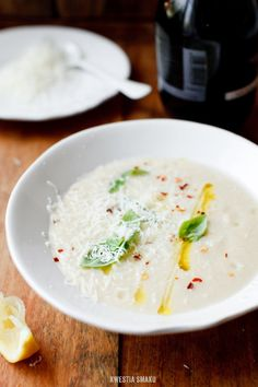 Zupa krem pietruszkowo-gruszkowa - Parsnip and Pear Soup Best Soup Recipes, Vegan Recipes, Favorite Recipes, Vegan Gains, Ketogenic Recipes, Sans Gluten, I Love Food, Soups And Stews, Family Meals