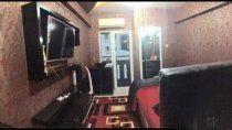 JUAL MURAH : Dijual Apartemen di Green Pramuka City type Studio, kondisi full furnish design interior. Unit dilantai rendah lantai 12 Tower Chrysant. Unit sesuai gambar yang ada. Harga 390 Juta (sudah termasuk biaya balik nama)  Untuk info dan Janjian ke Lokasi hub :  Sales Executive Apartemen The Green Pramuka City  MARGARETH SITEPU  081270000739 02192090400 PIN BB : 5AE0DEFB