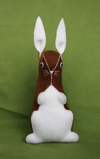 Hazelnuts: The Hazelnuts Felt Bunny Tutorial