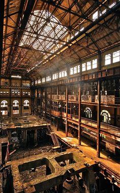 (Eagle River, Turbine Hall, Philadelphia, USA in 2008)
