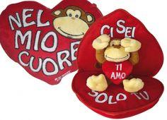 MONKEY NEW CUORE SORPRESA. Esterna il tuo amore in maniera originale!!!     cuore con zip , all'interno un simpatico peluche....(scimmia 12cm)