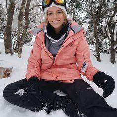 Winterurlaub in Lake Tahoe 20 besten Outfits zu tragen Ski Et Snowboard, Snowboard Girl, Ski Fashion, Winter Fashion, Arab Fashion, Sporty Fashion, Sporty Chic, Sporty Outfits, Snowboarding Style