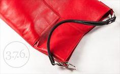Elegant natural leather bag/shoulder bag