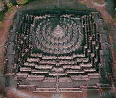 Borobudur Buddhist Temple Designed As Sri Chakra Meru Krishna Temple, Buddha Temple, Hindu Temple, Indian Temple Architecture, India Architecture, Tibet, Hindu Worship, Shri Yantra, Borobudur Temple
