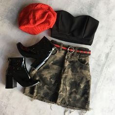 Discovered by Luna 🌙. Find images and videos about fashion, style and clothes on We Heart It - the app to get lost in what you love. Teen Fashion Outfits, Edgy Outfits, Cute Casual Outfits, Korean Outfits, Grunge Outfits, Night Outfits, Simple Outfits, Look Fashion, Outfits For Teens