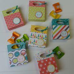 ideas birthday gifts for mom diy treats for 2019 Gifts For Girls, Gifts For Mom, Plotter Silhouette Cameo, Ideas Scrapbook, Origami Box, Friend Birthday Gifts, Diy Birthday, Welcome Gifts, Easy Gifts